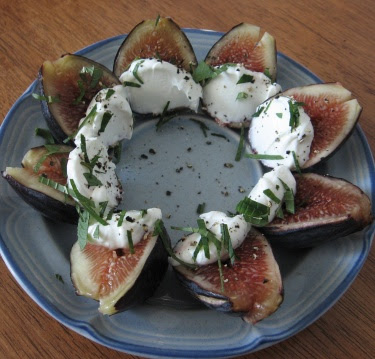 Figs, labneh, mint, pepper