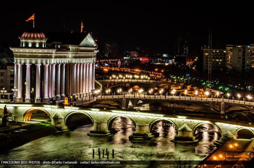 10 wunderschöne Nachtfotos von Skopje