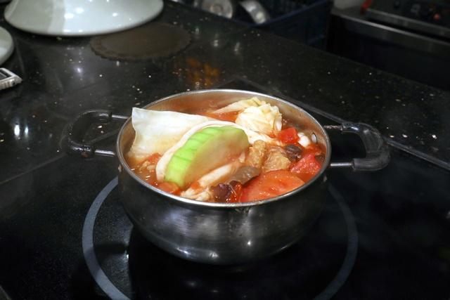 【南京三民站】御蓮齋素食餐廳~蕃茄小火鍋