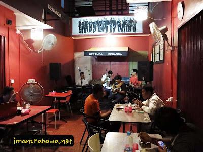 Suasana Kafe Beranda Batam