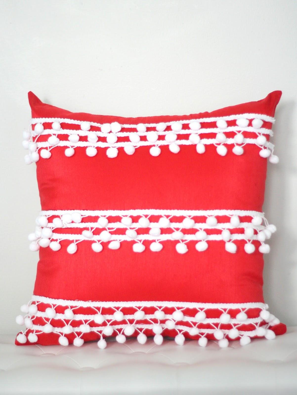 Diy No Sew Pom Pom Pillow The Pretty Life Girls