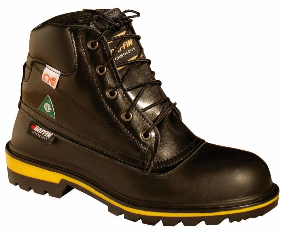 90703c0d43 Moda e tendência  como usar bota branca no seu look do dia.