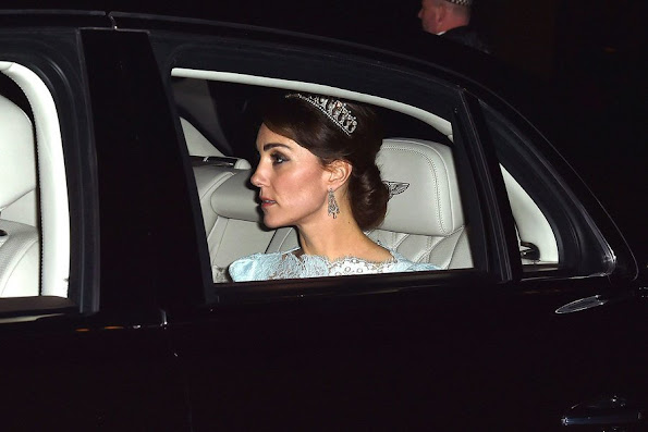 Kate Middleton, The Duchess chooses Cambridge Lover's Knot tiara for glittering white tie Diplomatic Reception at Buckingham Palace, diamond earrings necklace
