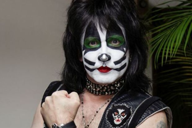 Eric Singer Defends KISS's Decision To Stick To The Classics During Live Shows