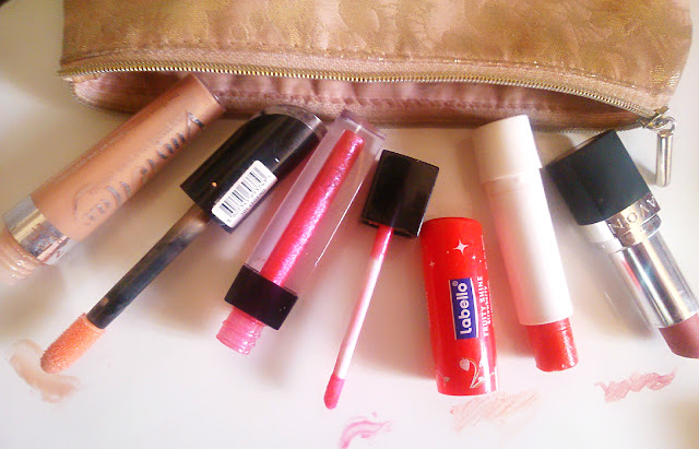 Gloss Vinyl Max Rimmel, Utra shine Lip Gloss Farmasi, Labello strawberry, Avon Perfectly Mat Ultra Color