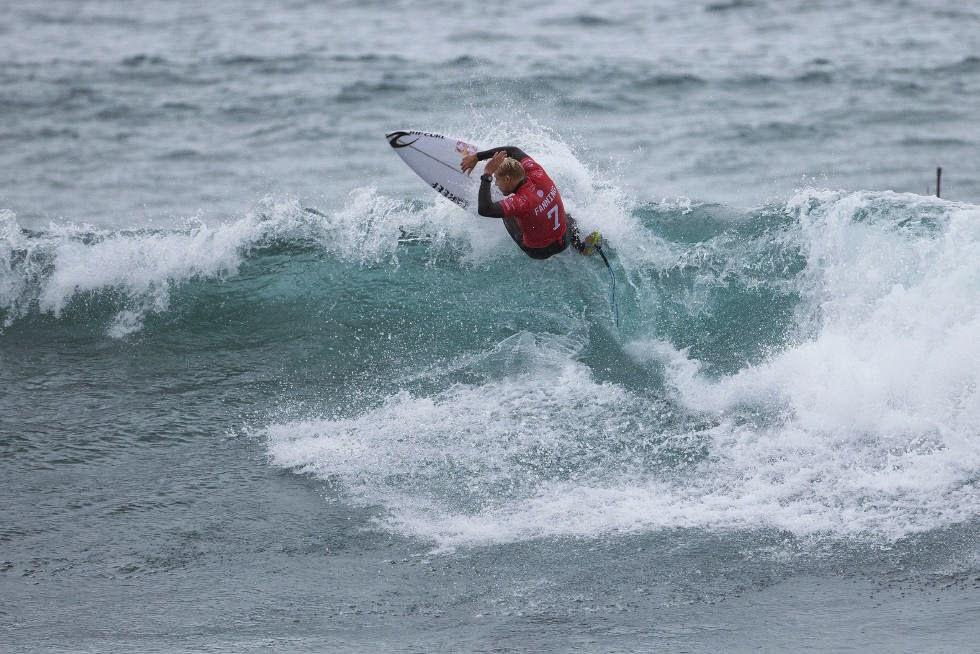 8 Rip Curl Pro Bells Beach 2015 Mick Fanning WSL Kelly Cestari
