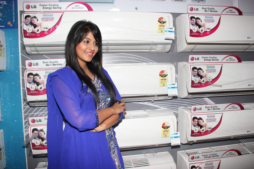 beloved dear Anjali in ethnic salwar suite at electronic company event image gallery