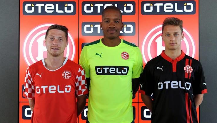German Bundesliga 2 del equipo Fortuna Düsseldorf ha presentado hoy los  nuevos Düsseldorf 2014-15 Kits en un acto en la sede principal patrocinador  de Otelo ... 9e3511c91c8d3