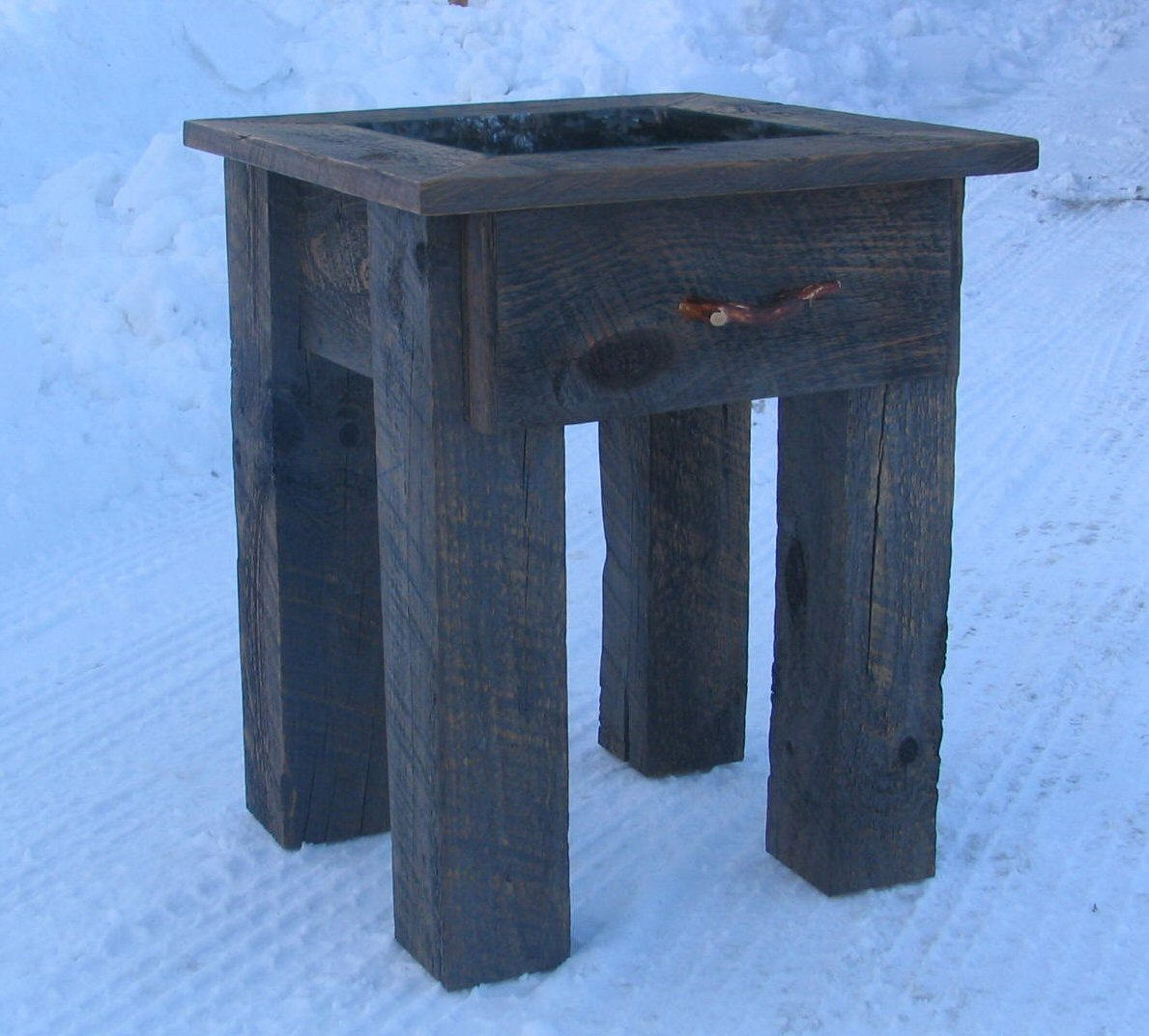Go Rustic!: Tips For Building Barn Board Furniture