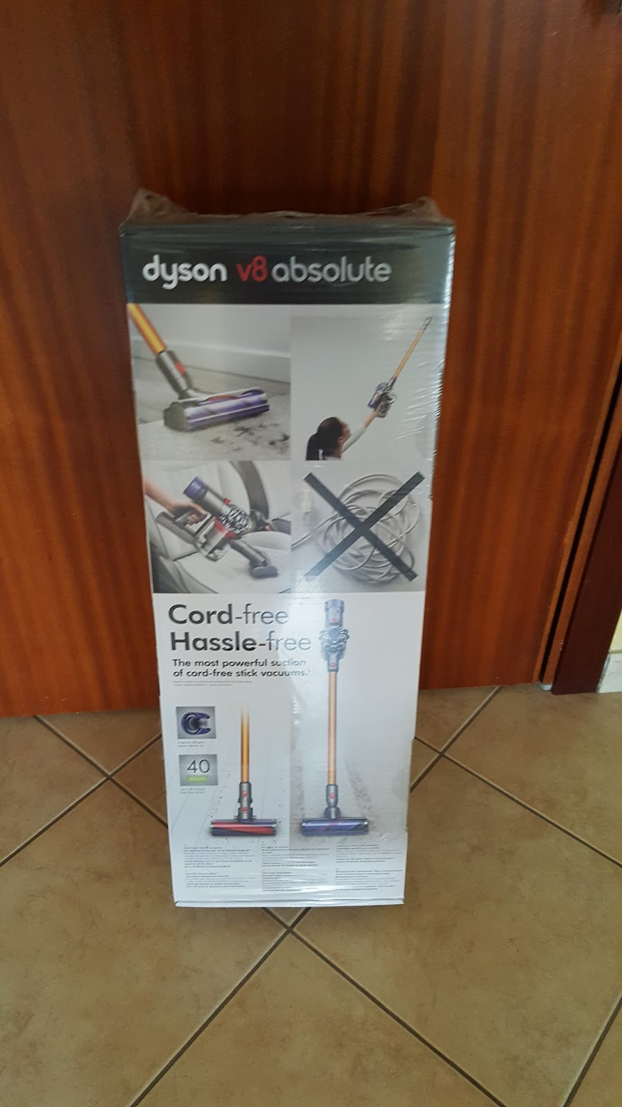 risparmiare con i coupon si pu dyson v8 absolute l 39 aspirapolvere ciclonico senza fili. Black Bedroom Furniture Sets. Home Design Ideas