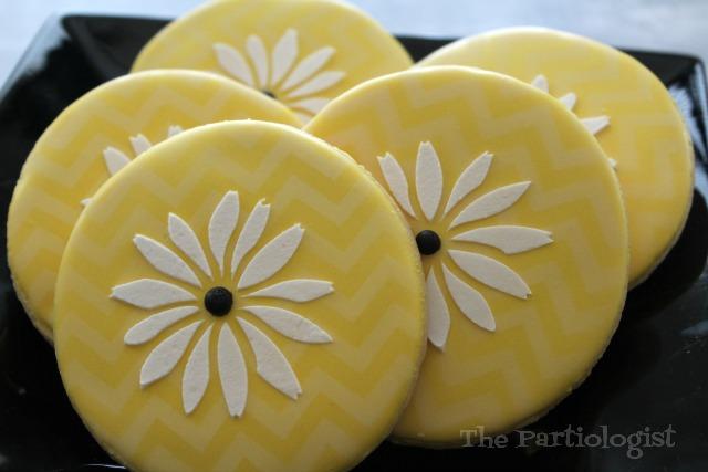 Stencil Daisy Cookies