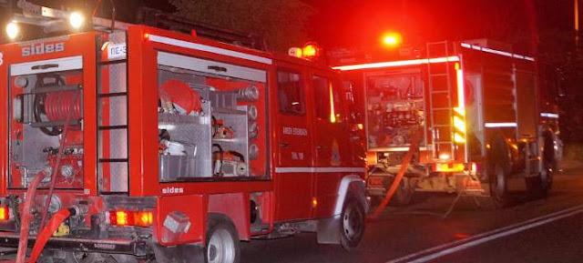 Στις φλόγες τυλίχτηκε ζαχαροπλαστείο στη Λάρισα
