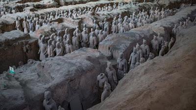 «Έφυγε» ο Ζάο Κανγκμί, αρχαιολόγος που ανακάλυψε τον διάσημο Πήλινο Στρατό