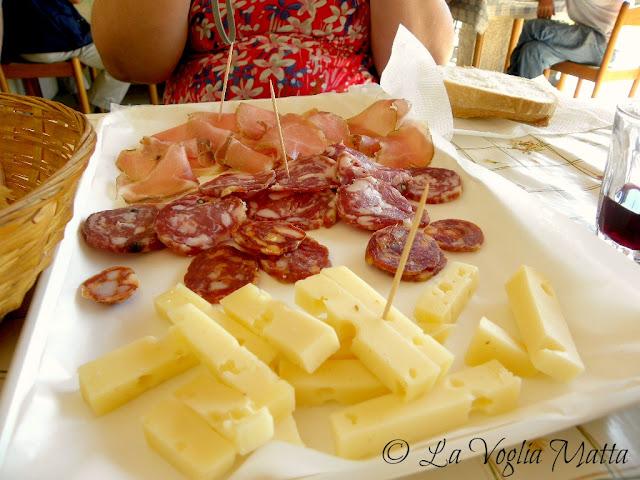 affettati e formaggi in osmiza