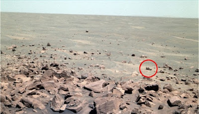 Pemburu Alien Klaim Temukan Sepatu di Planet Mars
