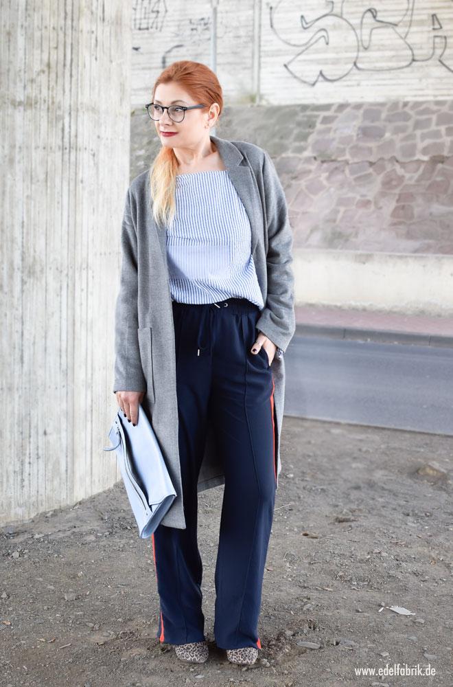 Outfit mit Jogginghose und gefilztem Wollmantel