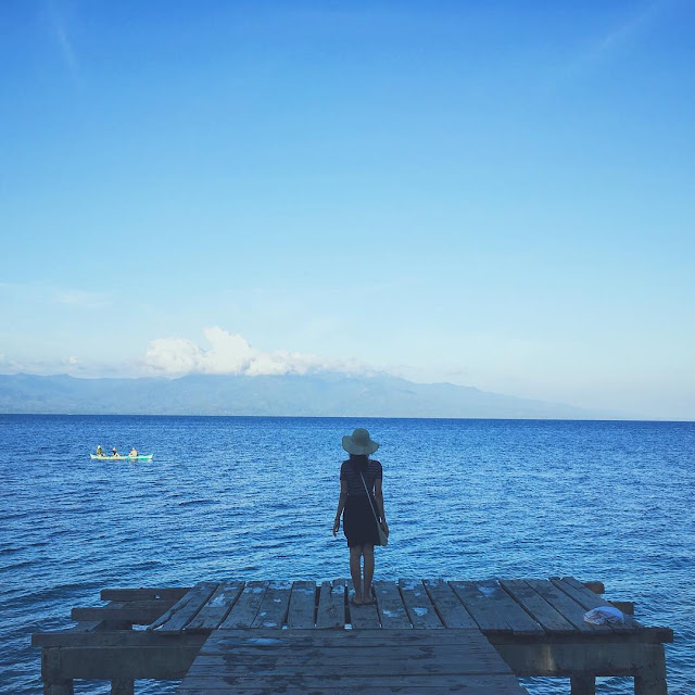 foto indahnya pantai liang ambon