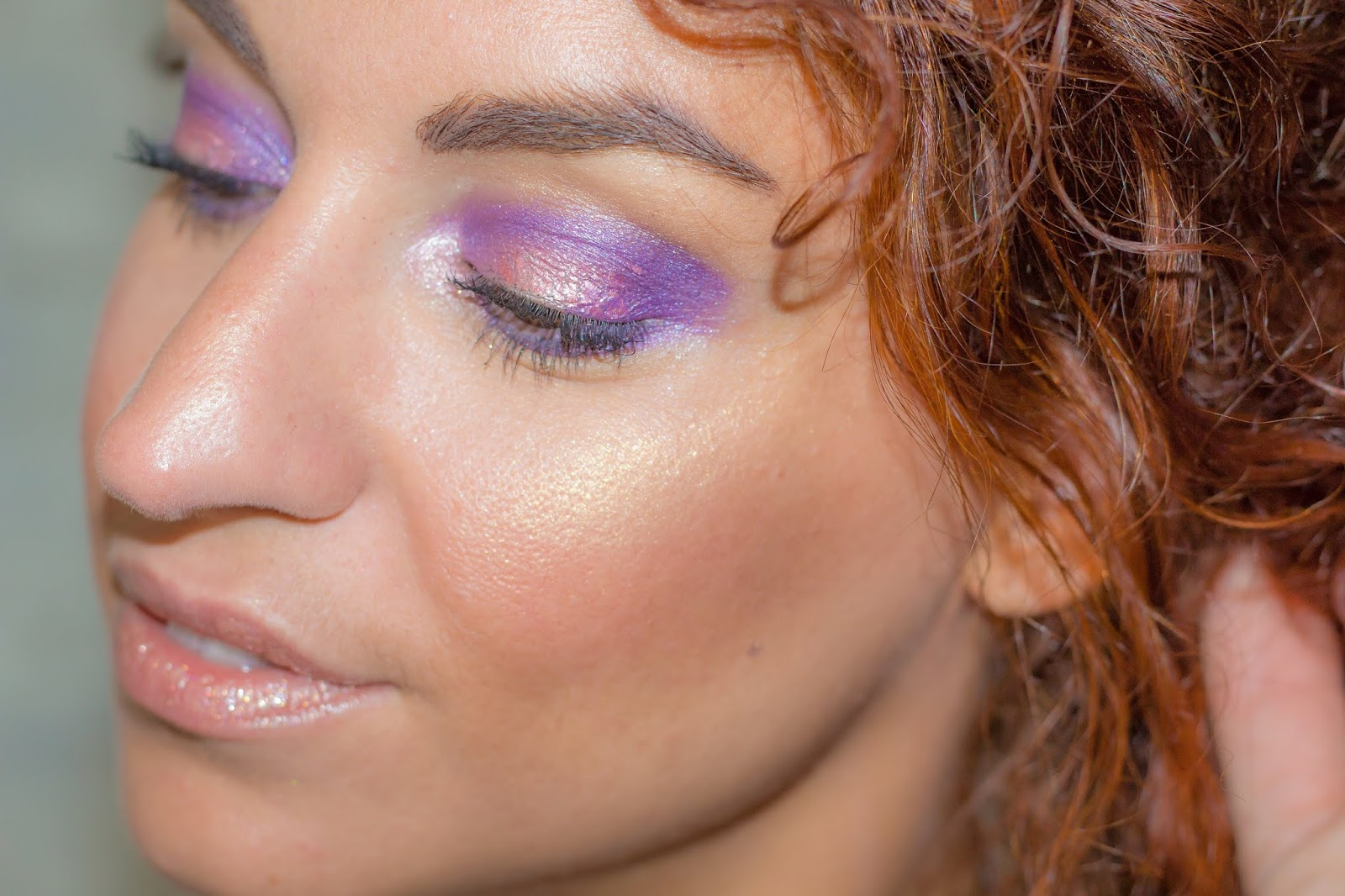 maquillage-soiree-violet-rose-gold