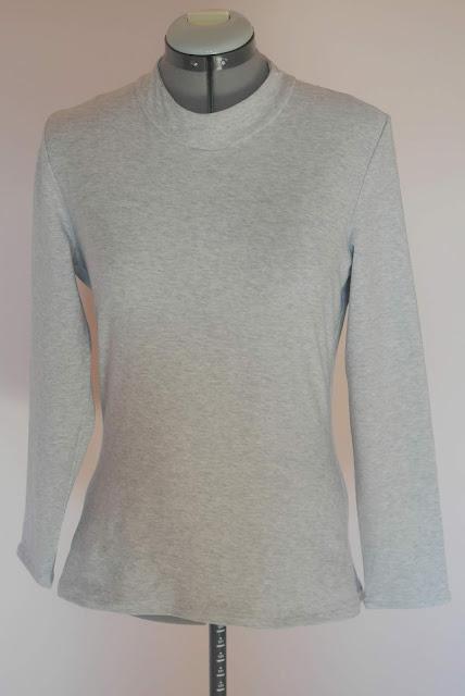 203da3692a9730 Genäht habe ich die Größe 3, die einer Größe 38 entspricht und das war  richtig so. Der Schnitt ist tailliert und daher hat das Shirt eine schmale  Passform; ...