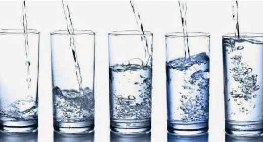 7 Waktu yang Tepat untuk Minum Air Putih