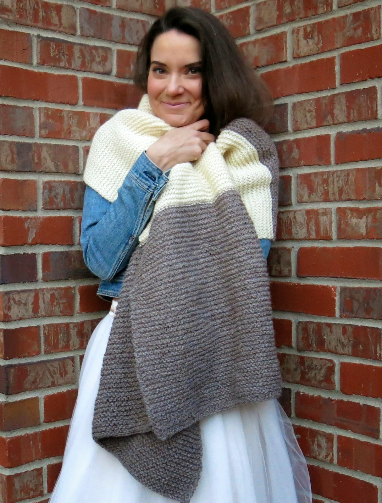 Cassie Stephens: DIY: A Big Fat Knitted Scarf/Blanket Thingie