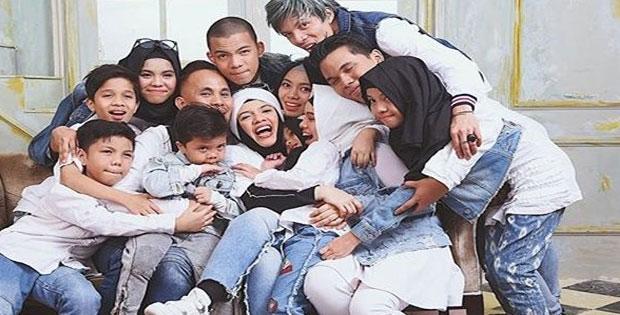 Penerapan Demokrasi Di Lingkungan Keluarga