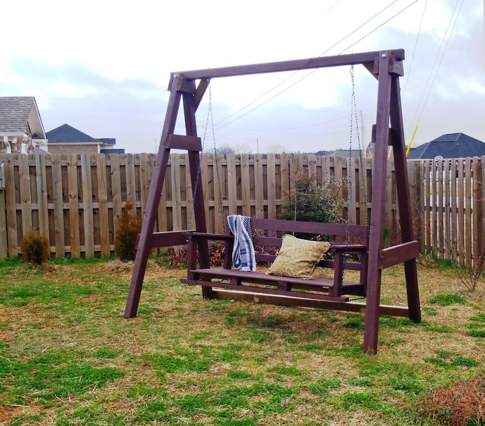 Backyard Swings: Lazy Liz On Less: Swing, Set, Go