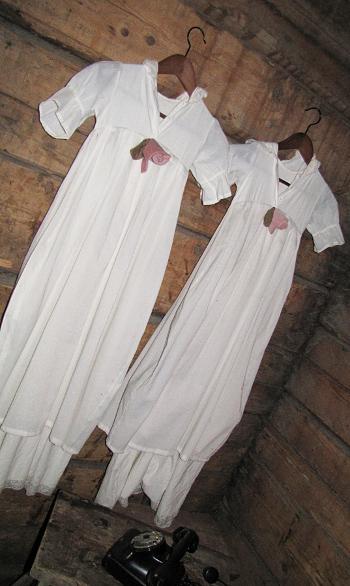 vintagemekko vanha kastemekko bakeliittipuhelin christening dress