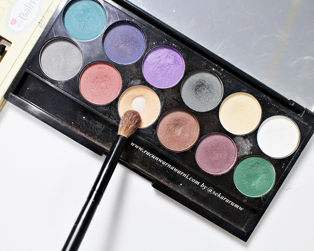 Pilih Warna Eyeshadow