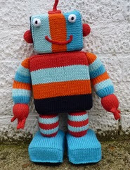 http://www.ravelry.com/patterns/library/mr-ro-bot