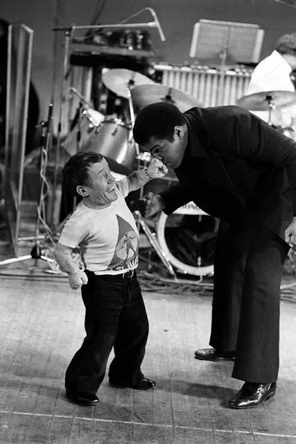 kenny baker and Muhammad Ali