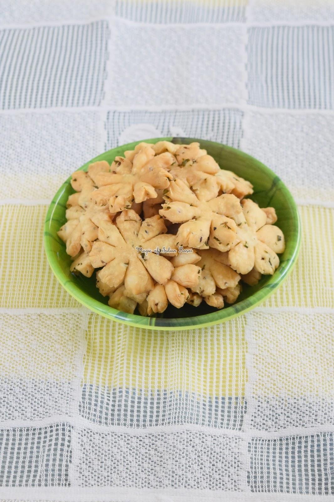 Jeera Pudina Flower Mathri Recipe - जीरा पुदीना फ्लावर मठरी  रेसिपी - Priya R - Magic of Indian Rasoi