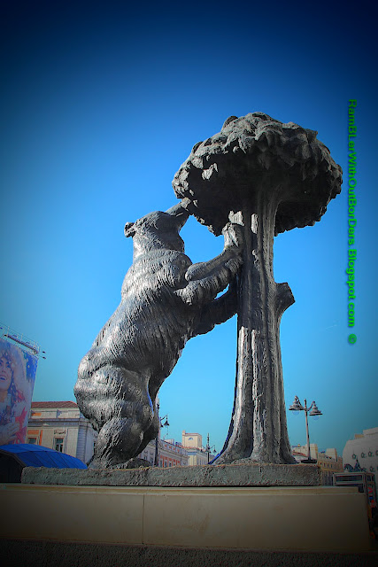 Sculpture, The Bear and the Strawberry Tree, Puerta del Sol, Madrid, Spain