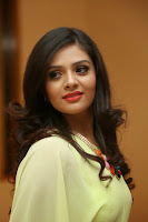 Sri Mukhi Latest Glamorous Photos HeyAndhra