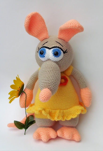 crochet-amigurumi-ratgirl-stuffed-animal-yellow-dress