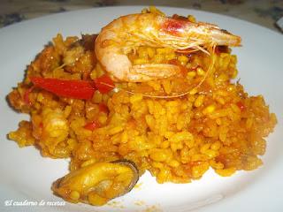 Paella dominguera de marisco