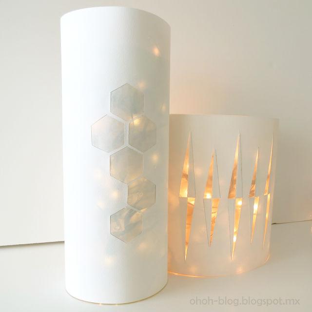 Luces de navidad hechas con botellas de plástico recicladas
