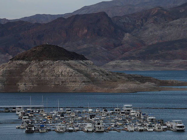 The Drought Has Exposed An Entire Abandoned Town At The Bottom Of Lake Mead (43 Pics)