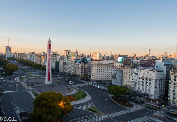 Obelisco y avenida 9 de Julio de Buenos Aires