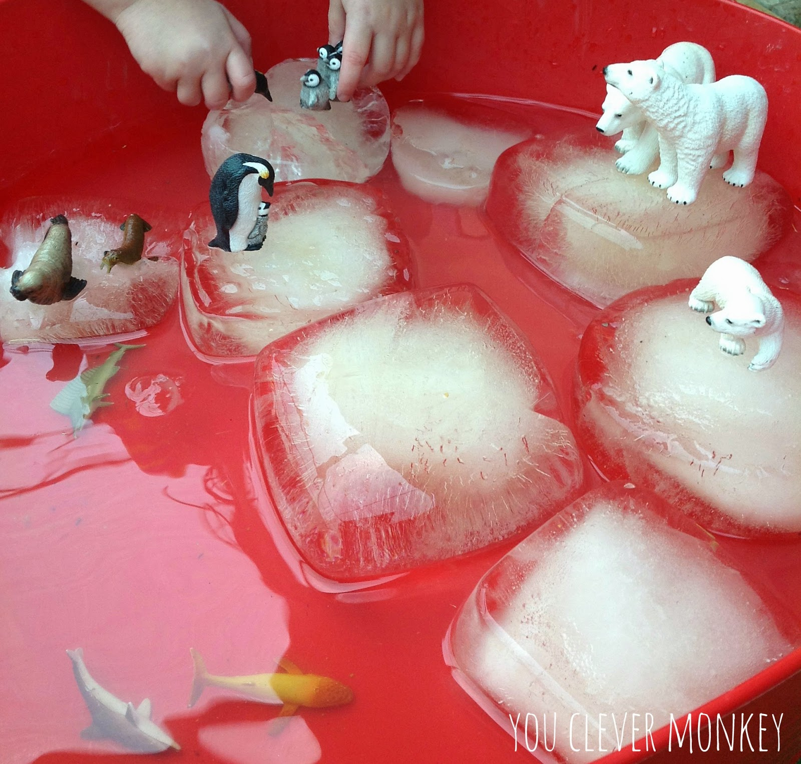 Favourite non-food sensory play ideas shared by http://youclevermonkey.com