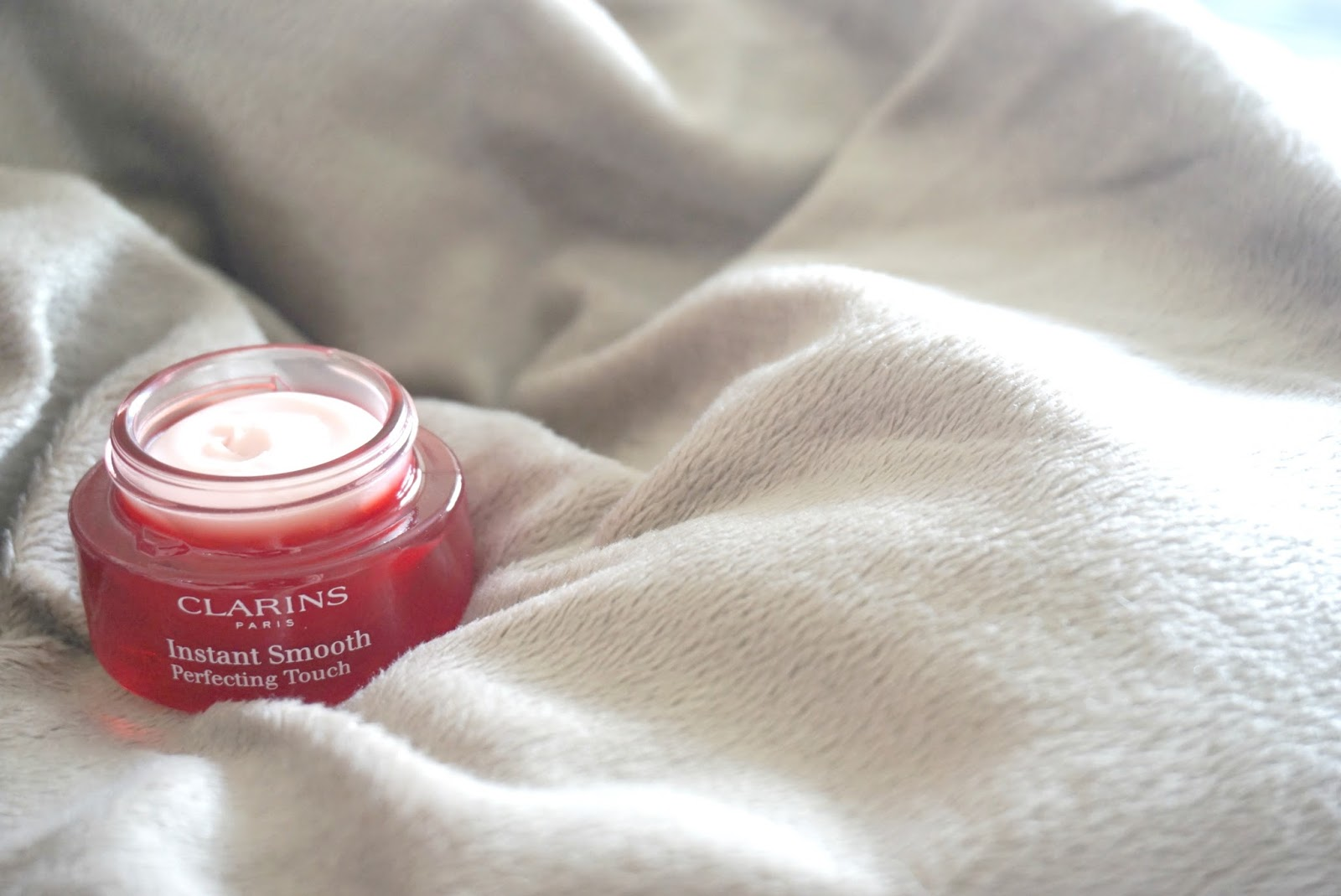 Clarins Instant Smooth Perfecting Touch Primer Review