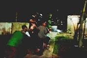 Dengan Becak Panser Remaja Tanjung Pura Bangunkan Warga Untuk Sahur