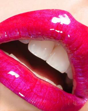 Hot threesome open mouth facial | Adult images)