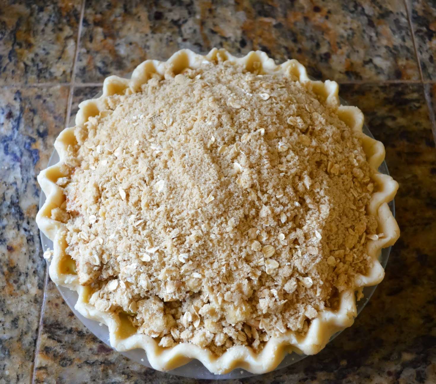 Caramely-Apple-Pie-With-Crunch-Topping-Oven.jpg