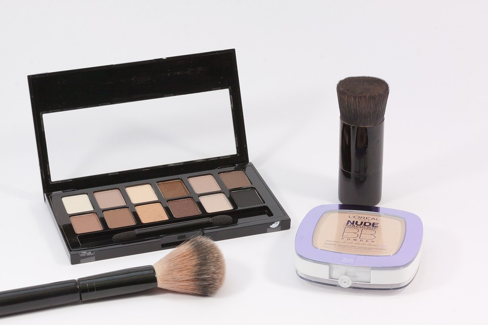 makeup and brushes.jpeg