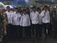 Akhirnya, Jokowi-JK Hadiri Aksi Damai 212 di Monas Di tengah guyuran hujan