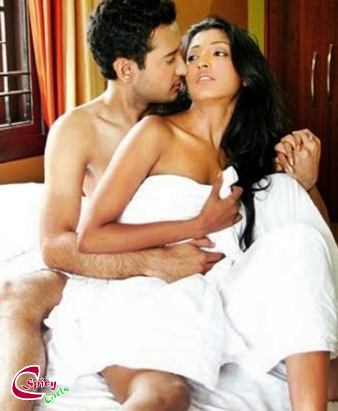 Bed room scene aruguru pativratalu telugu movie evv satyanarayana tfc vi - 5 3
