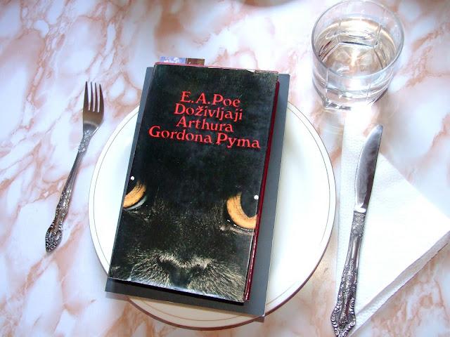 Avanturistička knjiga od Poa