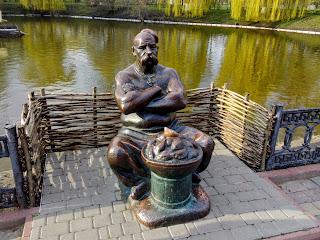 Миргород. Скульптура Пацюка