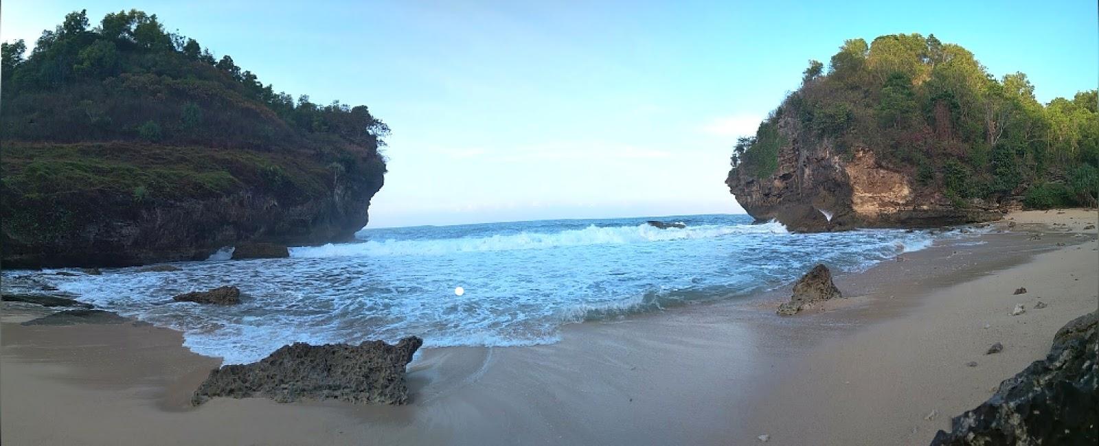10 Gambar Pantai Mulur Pacitan Jawa Timur, Rute + Lokasi dan Harga TIket Masuk